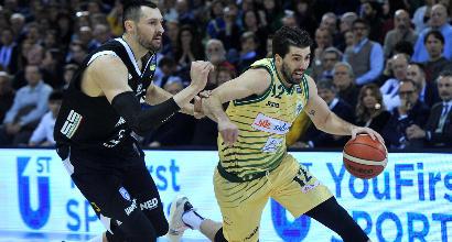 Basket, Coppa Italia: Sassari e Brindisi volano in semifinale