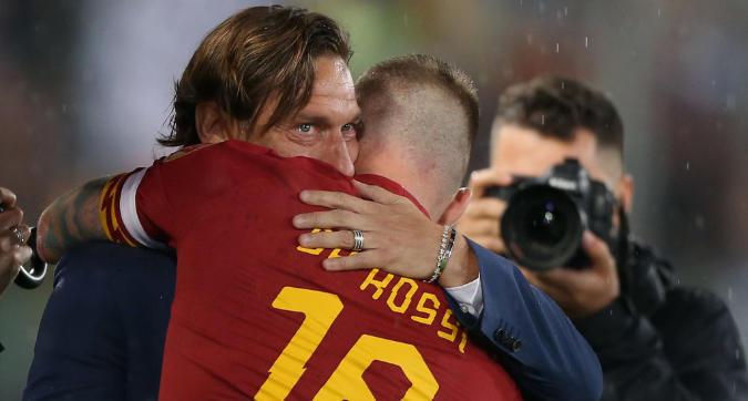 """Caos Roma: """"De Rossi voleva far fuori Totti"""""""
