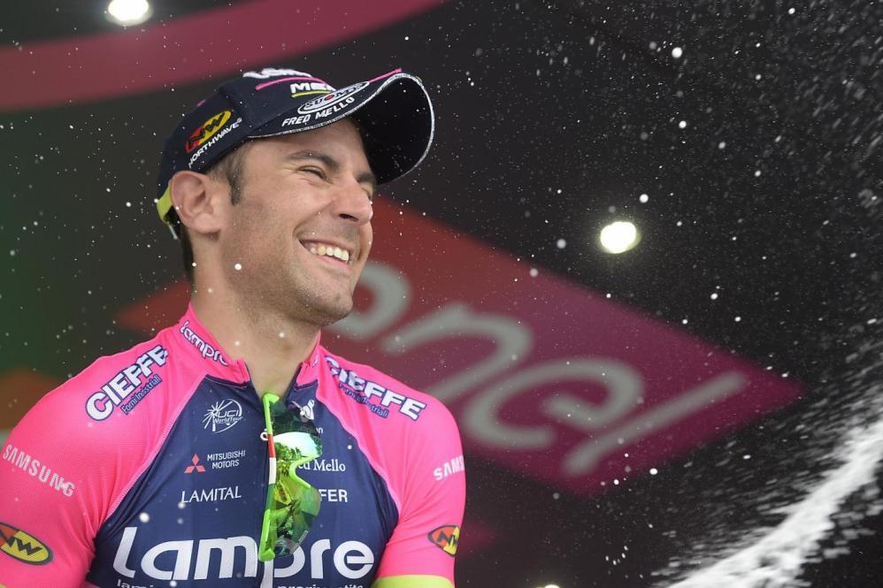 Ulissi domina l'11a tappa del Giro d'Italia