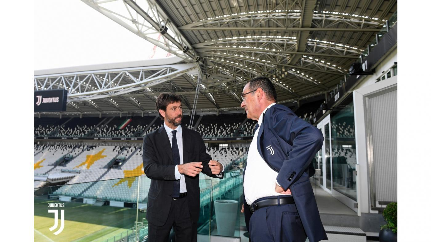 Primo, vero, giorno di Juve per Maurizio Sarri, che si presenta in conferenza stampa con le idee chiare: