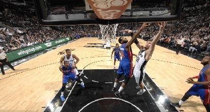 Nba: colpo Detroit, Spurs ko sulla sirena