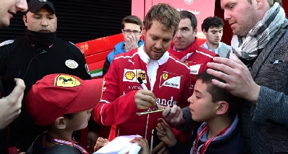 """Vettel: """"Mi sento meglio, c'è più trazione"""""""
