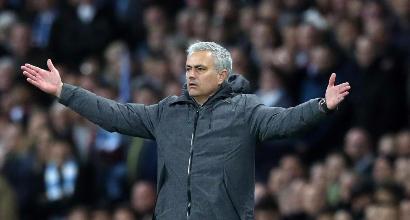 """Mourinho minaccia la FA: """"Calendario disumano, potrei schierare l'Under 18"""""""