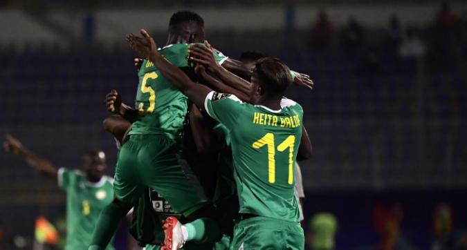 Coppa d'Africa: Senegal e Nigeria soffrono, ma vanno in semifinale