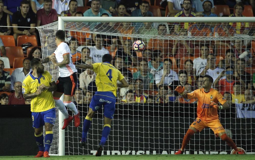 Spagna, Boateng subito in gol