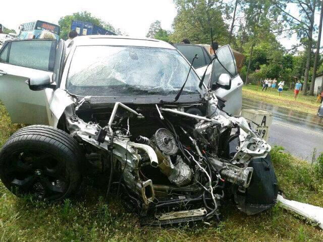 Il Suv di Iturbe dopo lo scontro con un camion in Paraguay nel   2013.