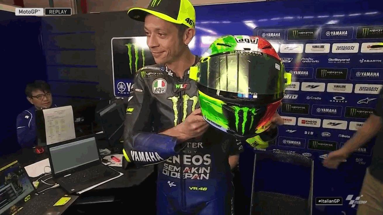 Rossi, il casco per il Mugello