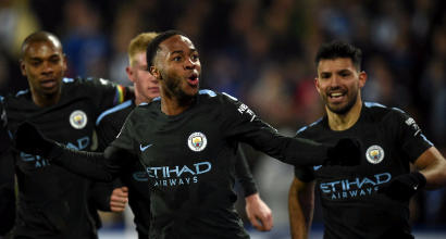 Premier League: Sanchez lancia l'Arsenal, il City risponde allo United e allunga a +8