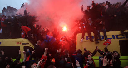 Champions, sanzioni alla Roma: due trasferte vietate ai tifosi e multa