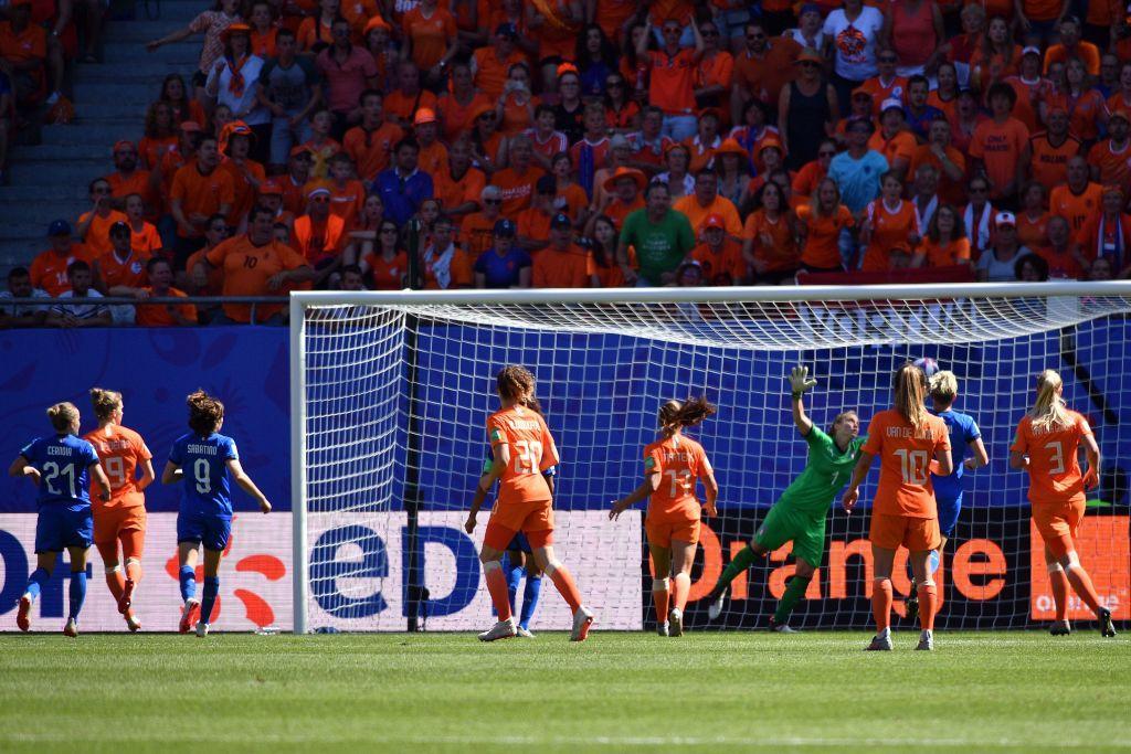 Si ferma ai quarti di finale il cammino mondiale dell'Italia. Le ragazze di Bertolini sono state sconfitte 2-0 dall'Olanda campione d'Europa. Le reti ...