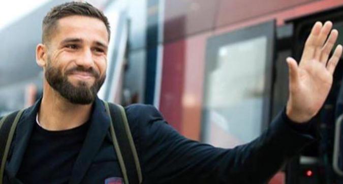 """Cagliari, Pavoletti scherza con CR7 su Facebook: """"Sono io il re dei gol di testa"""""""