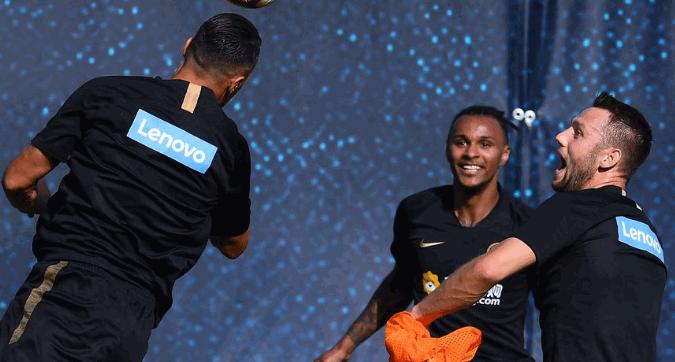 """Inter, Lazaro: """"Conte fa lavorare duramente, si sente nelle gambe"""""""