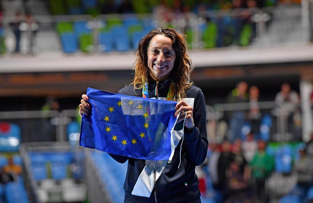 Rio 2016, Di Francisca festeggia con la bandiera dell'Unione Europea