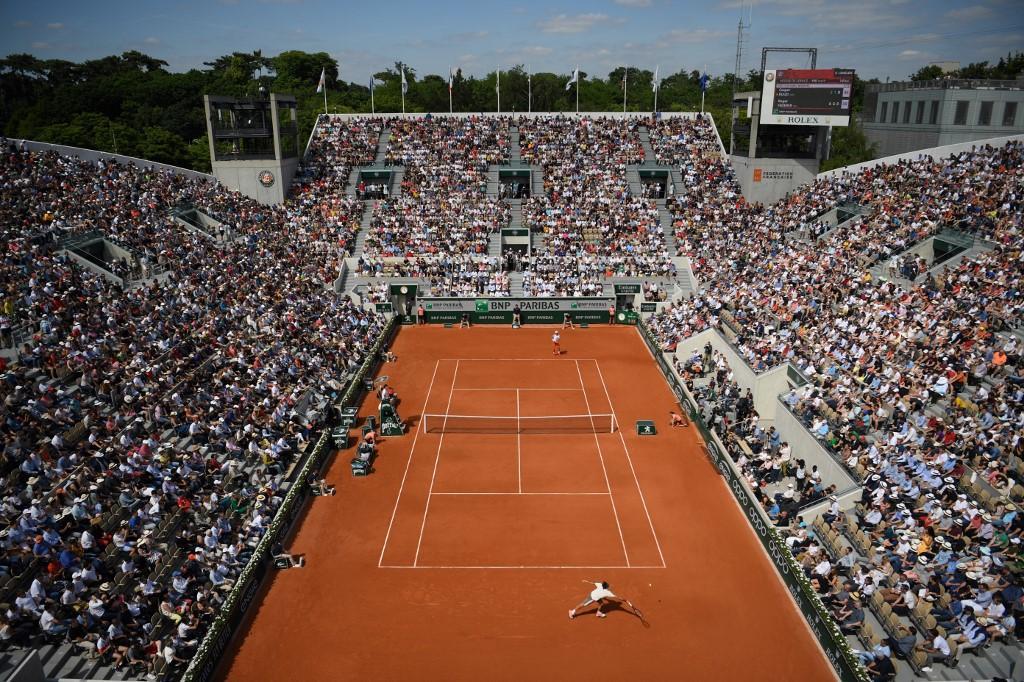 Federer e Nadal inarrestabili a Parigi