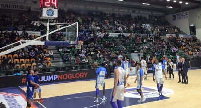 Basket, Eurolega: Malaga troppo forte, Sassari si inchina