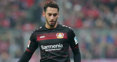 Milan, contatti avviati con il Bayer Leverkusen per Calhanoglu