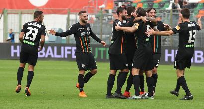 Serie B: Salernitana ko a Venezia, Crotone fermato sul pari. Il Perugia vince a Livorno