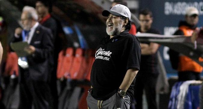 Maradona e la maledizione in panchina: altra sconfitta in finale