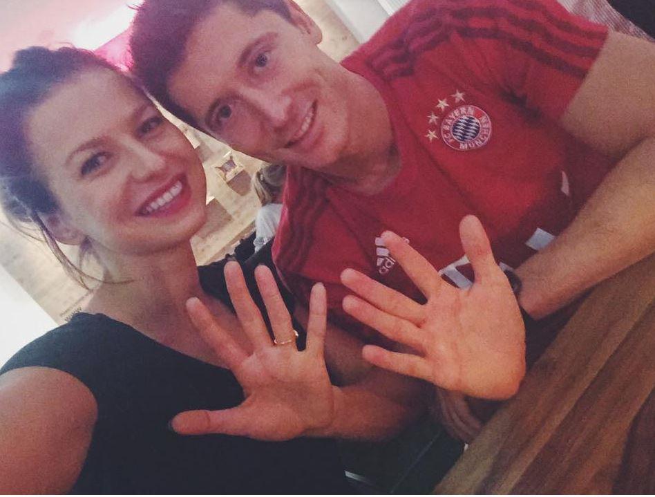 La manita di Lewandowski fa impazzire il Web