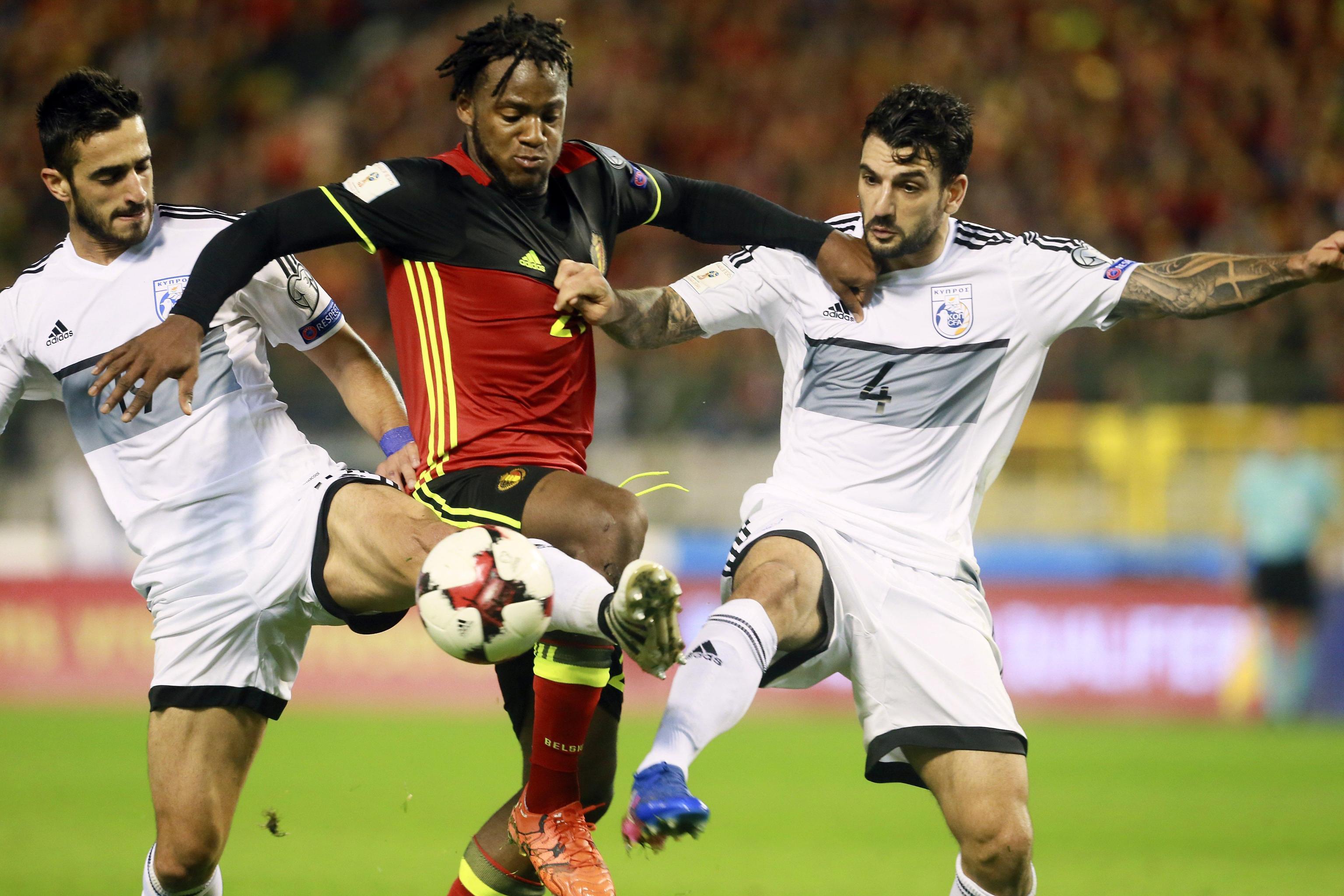 Sono  Francia  e  Portogallo  le ultime due squadre europee qualificate direttamente per il Mondiale di  Russia 2018 .  Giroud e Griezmann  hanno regolato 2-1 la Bielorussia, mentre un'autorete di Djourou e il milanista  Andre Silva  hanno firmato il 2-0 decisivo contro la  Svizzera . Elvetici ai playoff come la  Grecia  (4-0 a Gibilterra). Fuori dal Mondiale l' Olanda  nonostante la doppietta di Robben: il 2-0 alla  Svezia  non basta, scandinavi allo spareggio.