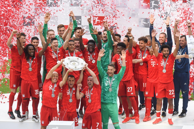 Il Bayern Monaco conquista il settimo titolo di Germania consecutivo. La squadra di Kovač passeggia contro l'Eintracht: in rete Coman (4'), Alaba (53'), Renato Sanches (58'), Ribery (72') e Robben (78'). Inutile il momentaneo 1-1 di Haller al 50'.