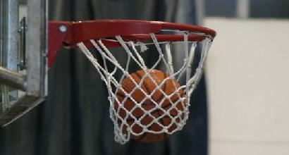 Basket, gioca con il turbante: l'arbitro lo caccia