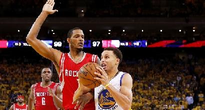 Nba, playoff: Curry spaziale trascina Golden State, crollo Houston in Gara 1