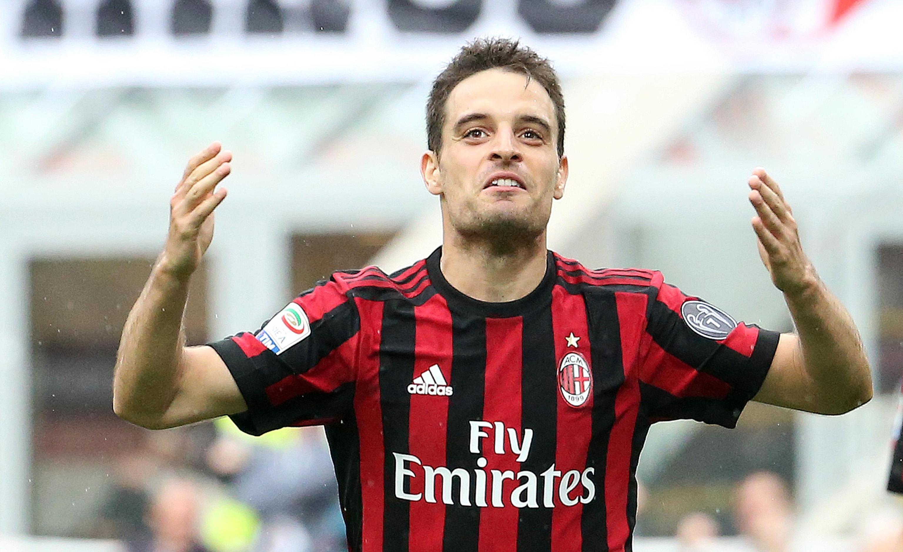 Bonaventura (Milan)  - 30 milioni: il milanista è capace di ricoprire più ruoli e i problemi societari rossoneri potrebbero spingerlo, più di Raiola, verso l'addio. Lo vuole la Juventus, ma piace anche a Napoli e Roma