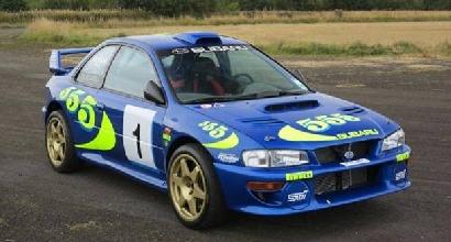 Va all'asta la Subaru Impreza guida da Rossi e McRae