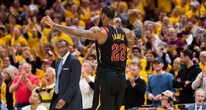 Playoff Nba: Cleveland in finale di Conference, Philadelphia riapre i giochi con Boston