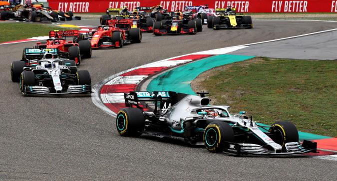 F1, in Cina vince ancora Hamilton