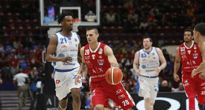 Basket, playoff: carro armato Sassari in finale, Milano crolla ancora nel supplementare