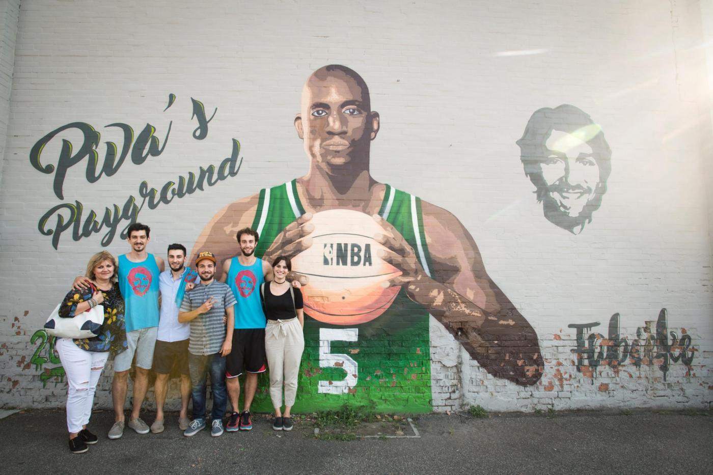 I murales celebrano i campioni dello sport