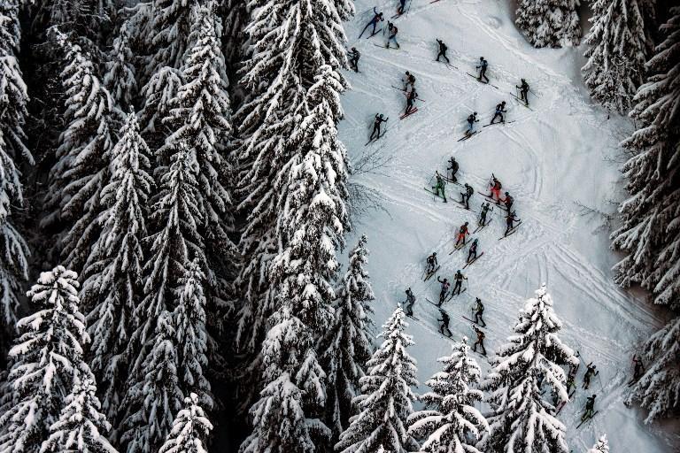 Sciatori impegnati a La Grande Course sulla Pierra Menta (14 marzo)