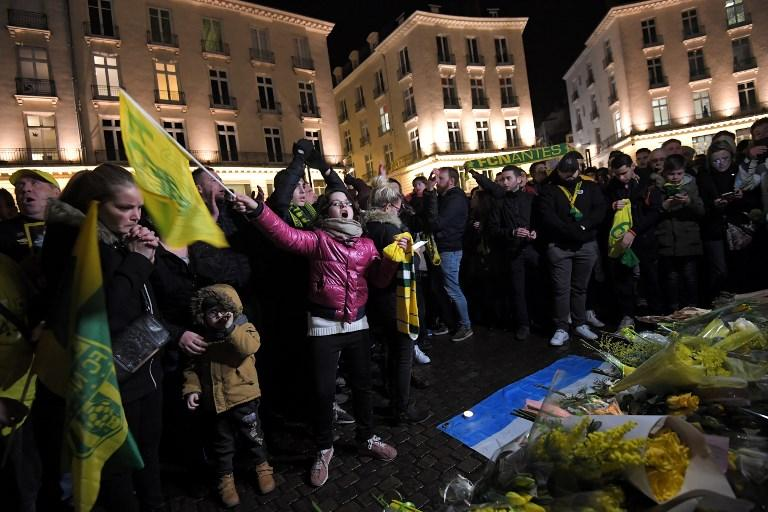 Nantes, centinaia di tifosi in piazza per Sala
