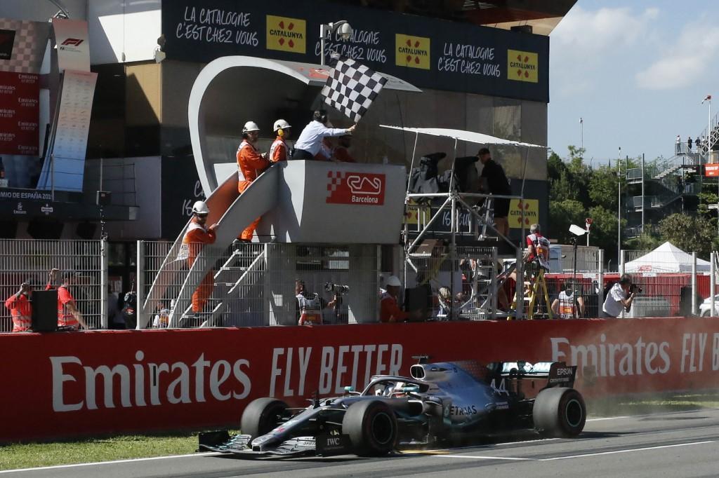 Quinta doppietta di fila a Barcellona, Hamilton demolisce Bottas