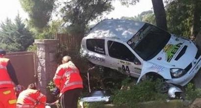 Rally d'Elba, auto sugli spettatori: due feriti
