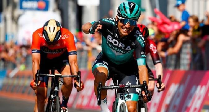 Giro, Benedetti vince a Pinerolo