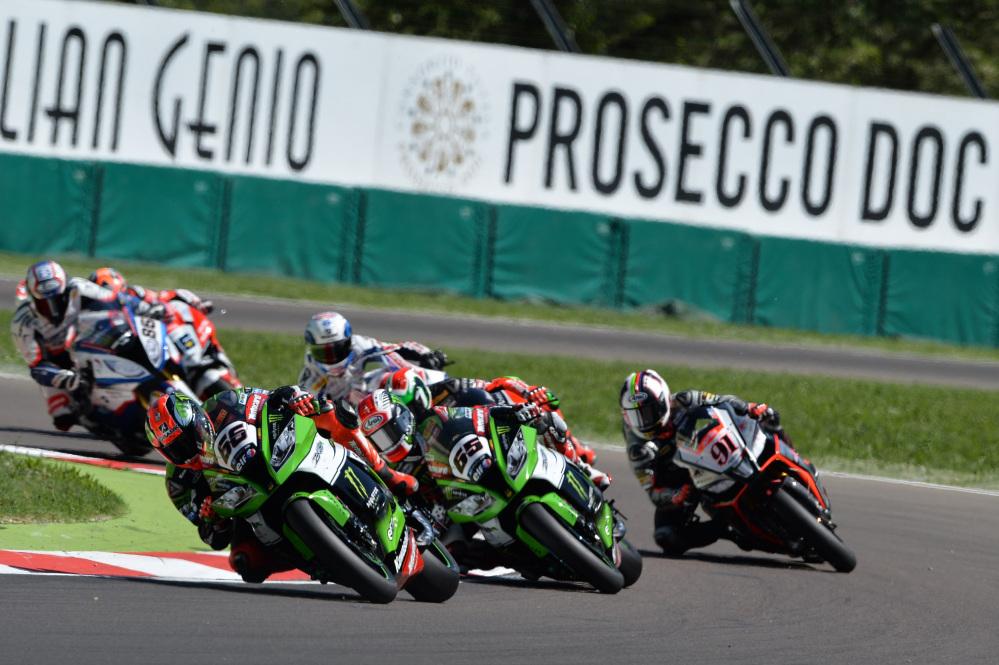 Superbike: storica doppietta Kawasaki a Imola