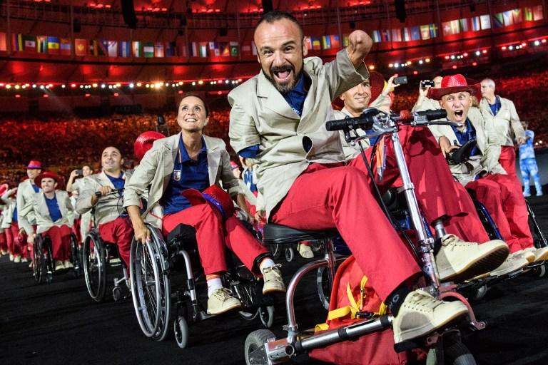 Spettacolare cerimonia d'apertura per le Paralimpiadi 2016 di Rio deJaneiro. Il braciere è stato acceso dal nuotatore Clodoaldo Silva.