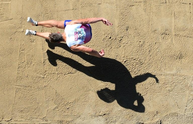 Martin Roe nel salto in lungo durante gli Europei di Atletica a Berlino (7 agosto)