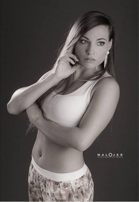 Dorothea, campionessa-miss col fucile