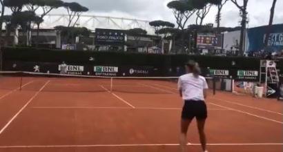 """Internazionali 2018, Masha palleggia con Nadal e lo """"batte"""""""