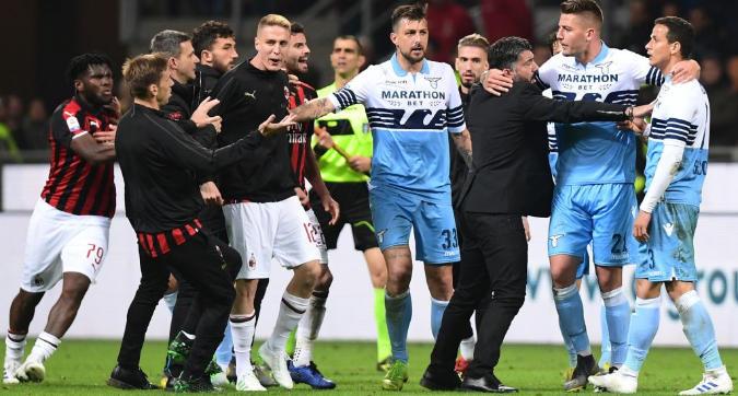 Milan-Lazio, niente squalifiche per la rissa: multati cinque giocatori