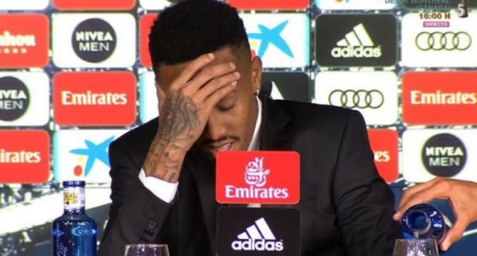 Real Madrid, Eder Militao si sente male durante la presentazione