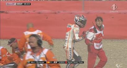 Warm up MotoGP: Marquez cade e va via in ambulanza