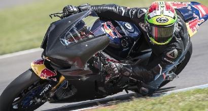 Superbike, contatto Giugliano-Honda al Lausitzring