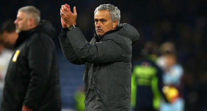 """Manchester United, Mourinho rinnova fino al 2020: """"Un onore"""""""