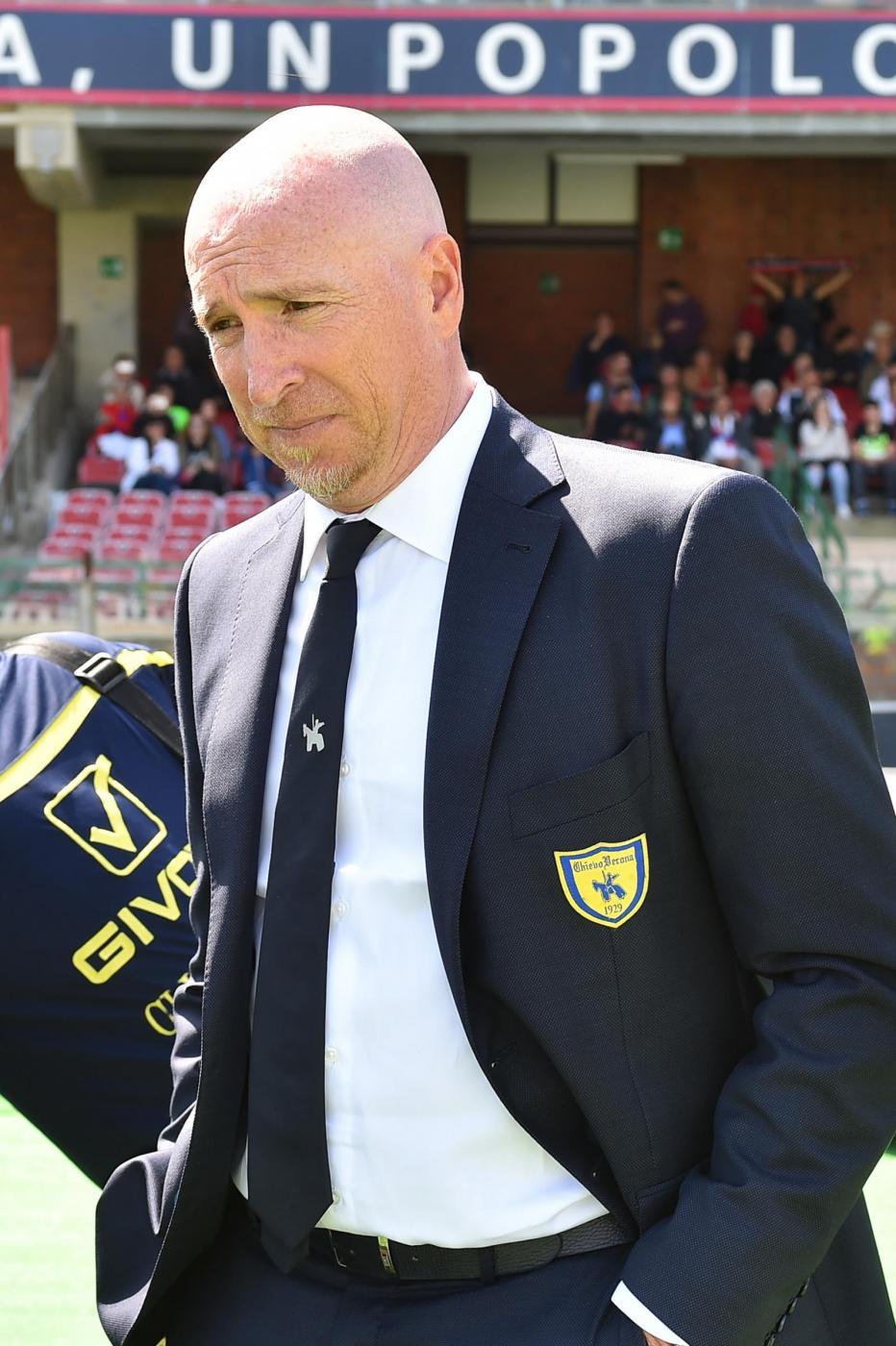 Serie A, il Cagliari travolge il Chievo: 4-0