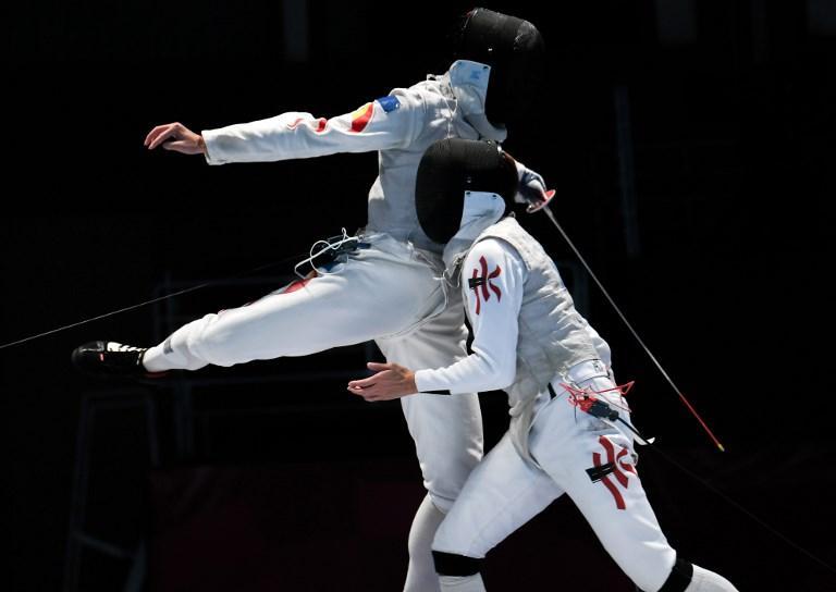 Incontro di scherma tra Huang Mengkai e Nicholas Edward durante i Giochi Asiatici (21 agosto)